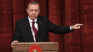 Erdoğan'dan tarihi açıklama: O davalardan vazgeçtim