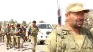 Türkmenlerden oluşan Sultan Murat Tugayı Cerablus'a böyle girdi!