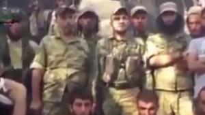 Rehin alınan YPG'lilerin görüntüsü