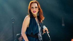 Sertab Erener konser gelirini 15 Temmuz Vakfı'na bağışladı