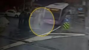 İETT otobüsünün ünlü spikere çarpma anı kamerada