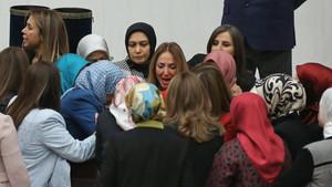 Mecliste kadın vekillerin kavgası