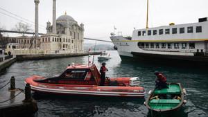 15 Temmuz Şehitler Köprüsü'ne aracıyla gelerek intihar etti