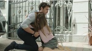 Fazilet Hanım ve Kızları dizisi oyuncuları Afra Saraçoğlu ve Çağlar Ertuğrul birlikte mi?