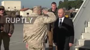 Esad Putin'le yürümek istedi general böyle durdurdu