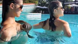 Sosyal medyayı salladı: Amanda Cerny'den yürek hoplatan havuz videosu!