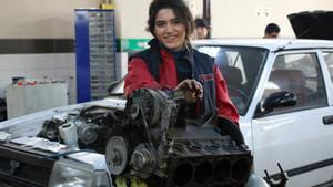 Malatya'nın ilk kadın oto tamircisi