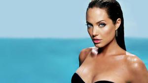 38 kiloya düşen Angelina Jolie korkuttu