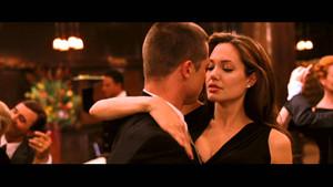 Angelina Jolie ve Brad Pitt'in boşanma sebebi: Karma