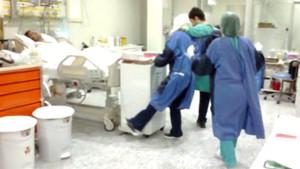 Hastanenin yoğun bakım ünitesinde şok eden görüntüler... halay çektiler