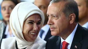 Erdoğan çiftinin nikah davetiyesi internetten satışa çıkarıldı