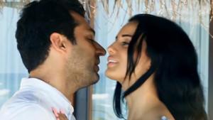 Murat yıldırım ve eşi İman Elbani Amerikalı şarkıcı Pitbull'un klibinde