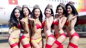 Vietnam'daki Havayoluna tomarla para kazandıran bikinili hostes ekibi