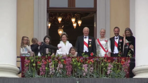 Norveçli minik prensin tören sırasındaki gizli dab hareketi
