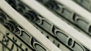 Dolar/TL 4 ayın en düşük seviyesini test etti