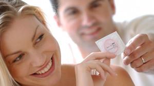 Erkekler, seksi buldukları kadınlarla ilişki için prezervatif istemiyor