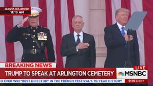 Trump'tan ABD ulusal marşını söylerken olay hareketler