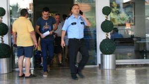 Sokakta kaldılar! Marmaris'te otelde rezervasyon skandalı