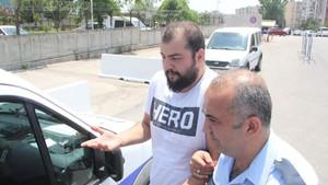 Hero tişörtlü öğrenciye sınav çıkışı gözaltı