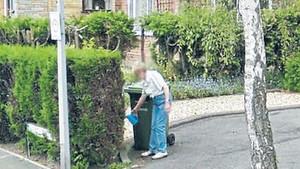 Ölen annesinin son fotoğrafını Google Earth'ten gördü