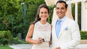 Esra Eczacıbaşı ve Murat Coşkun nişanlandı