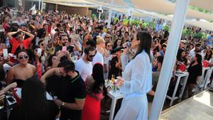Transparan elbise Gülşen'i panikletti