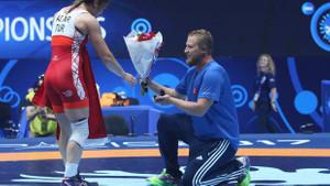 Yasemin Adar'a şampiyonluk sonrası evlilik teklifi