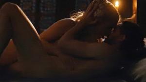 Jon Snow ve Daenerys Targaryen'in olay sevişme sahnesi