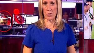 BBC canlı yayınında çıplak kadın şaşkınlığı