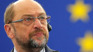 Martin Schulz: Erdoğan'ın önünde diz çökmeye niyetimiz yok
