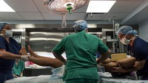Canlı yayında popo ameliyatını milyonlar izledi