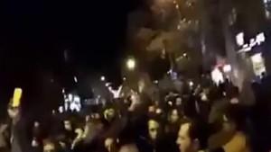 Bozkurtlar İran'da sokağa indi! İlginç sloganlar