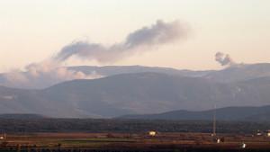 Türk savaş jetleri PYD hedeflerini bombalıyor