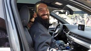 Arda Turan'a bir şok da eski şoföründen