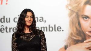 53 yaşındaki Monica Bellucci zarafetiyle büyüledi