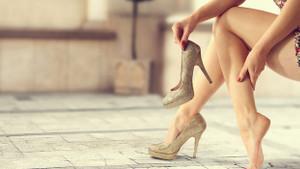 Ayak başparmak çıkıntısı kadınlarda erkeklerden daha çok görülüyor