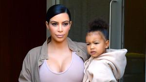 Kim Kardashian linç ediliyor kızıyla yaptığı paylaşım olay oldu!