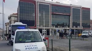 İstanbul'daki Büyükçekmece Adliyesi bomba ihbarı nedeniyle boşaltıldı! İhbar asılsız çıktı