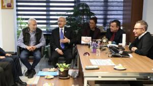 Kemal Kılıçdaroğlu'ndan yazarlarına FETÖ davası açılan Sözcü'ye ziyaret
