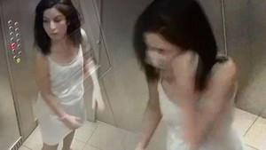 Asansörde şok görüntüler! Kocasına öyle bir tuzak kurdu ki...