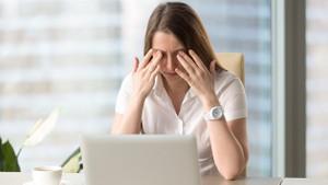 Parmaklarınız uyuşuyor mu? Karpal Tünel Sendromu nedir?