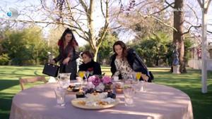 Sosyetik Ev Kadınları'nda yaşanan telefon ve davet krizi