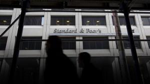 Doğuş Holding'in kredi notu indirildi
