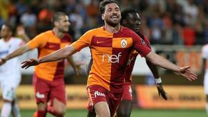 Fatih Terim istedi, yönetim bitiriyor! Galatasaray'da ilk imza geldi