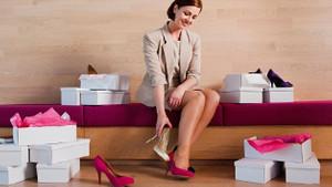 Topuklu ayakkabı ile rahat yürümenin 7 yolu