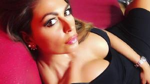 İtalyan spiker Jolanda De Rienzo modellik yapmaya başladı