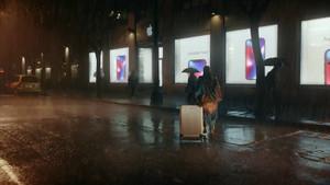 Samsung, yeni reklamında Apple'ı hedef aldı