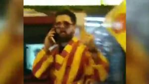 Şampiyonluk kutlamasına bornozu ile çıkan Galatasaray taraftarı gündem oldu