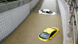 Ankara'da sağanak yağış felaketi: Dolu ve sel fena vurdu