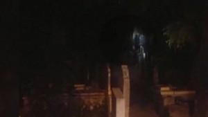 Mezarlıkta ağlayan kız tekrar ortaya çıktı!